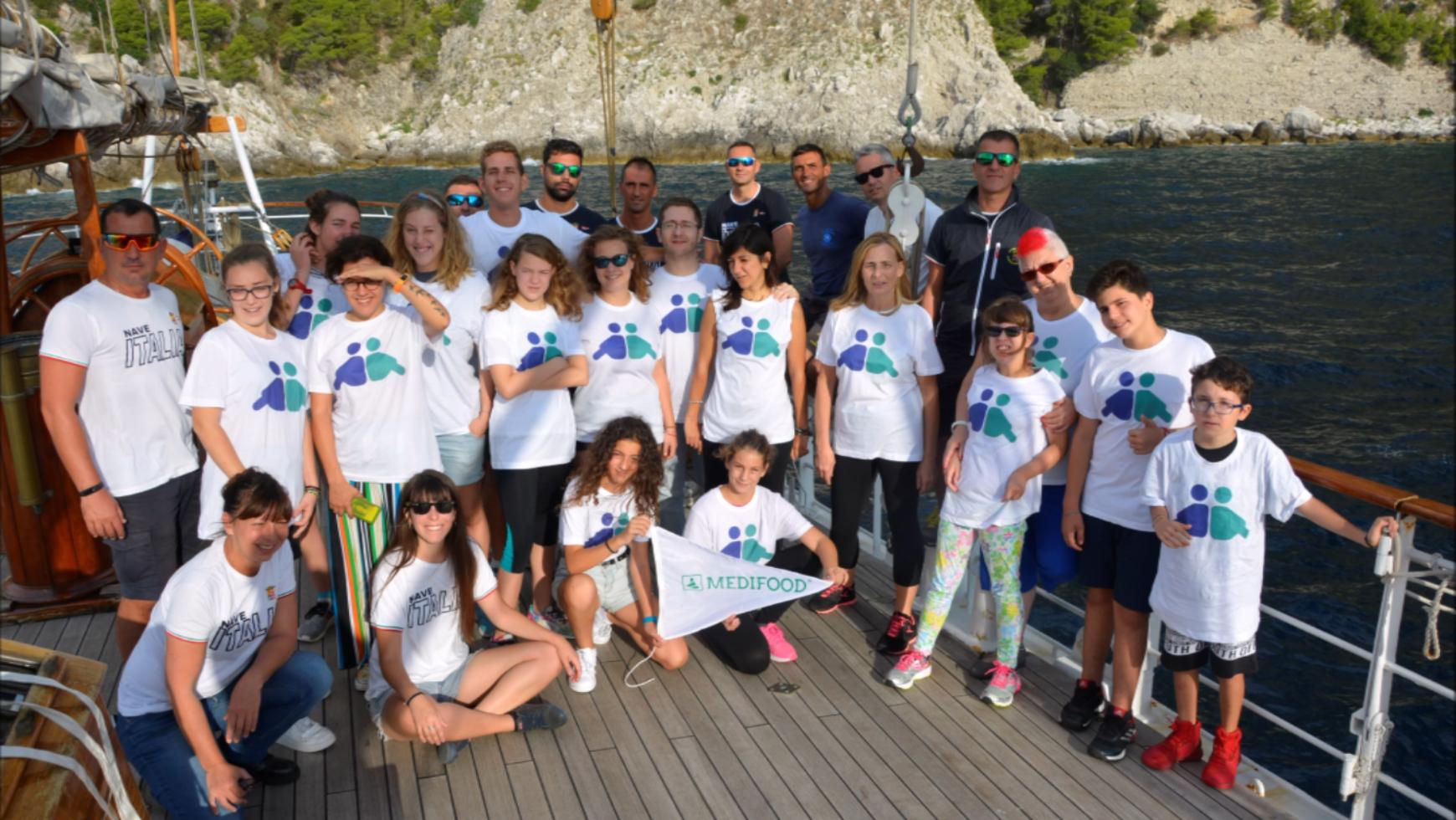 Nave Italia prosegue la Campagna di Solidarietà e arriva a Salerno